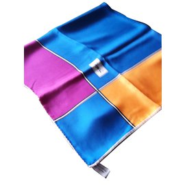 Yves Saint Laurent-Foulard-Multicolore