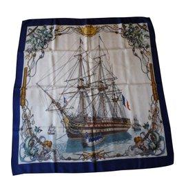 Hermès-Modèle L'Océan - Vaisseau de 118 canons 1790-1845 Signé LEDOUX - Classique très prisé (Collector - Dessin de 1959) pour femme ou homme.-Multicolore
