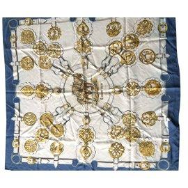 Foulard Hermès - Joli Closet d2f39f9995b