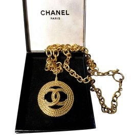 Chanel-Necklace-Golden