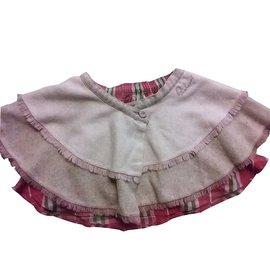 Burberry-Skirt-Pink
