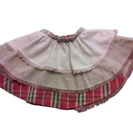 Burberry-Skirt-Pink