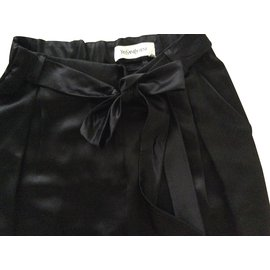 Yves Saint Laurent-Pantalon soie-Noir
