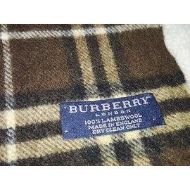 Echarpe burberry homme grise - Idée pour s habiller 46b59631cb1