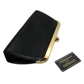 Yves Saint Laurent-Pochette bouton d'or-Noir