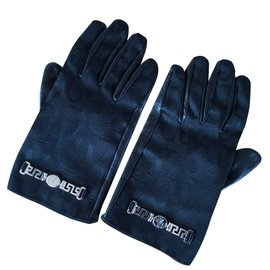 Versace-Gloves-Black