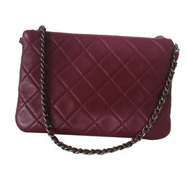 Chanel-Pochette-Rouge,Bordeaux