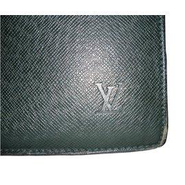 Louis Vuitton-Taiga-Green