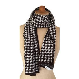 Céline-Scarf-Brown