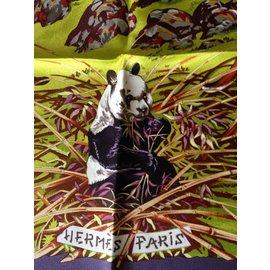 Hermès-Carrés-Multicolore