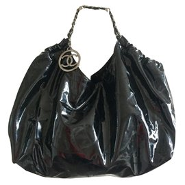 Chanel-Coco-Black