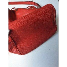 Louis Vuitton-Noe-Rouge