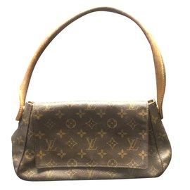 Louis Vuitton-Looping-Caramel