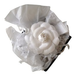 Chanel-Camélia-Blanc