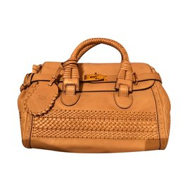Gucci-Handbag-Beige