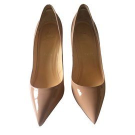 Christian Louboutin-Pigalle 10 cm Nude Vernis-Beige