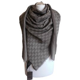 Gucci-Foulard-Marron