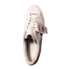 baskets adidas superstar foundation blanc bleu marine