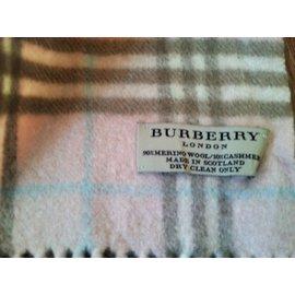 Burberry-Schal-Pink
