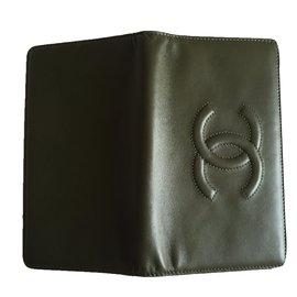 Chanel-Portefeuille en cuir-Vert