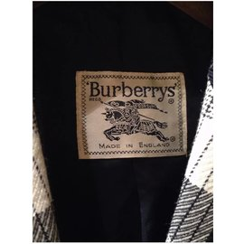 Burberry-Jacket-Blue,Eggshell