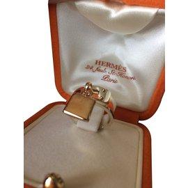 Hermès-Bague kelly en or jaune et argent-Argenté