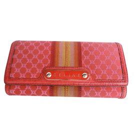 Céline-Wallet-Red