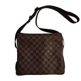947f78a8d2d Louis Vuitton, Naviglio. Superb Naviglio Damier Messenger ...