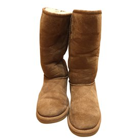 Ugg-Boots-Beige