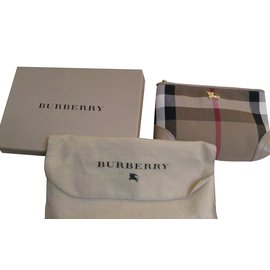 Burberry-Purse-Beige