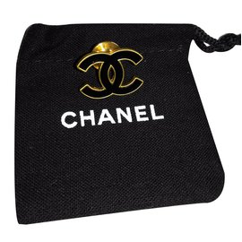 Chanel-Pin's chanel-Noir