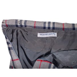 Burberry-Skirt-Grey