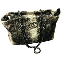 Chanel-Sacs à main-gris anthracite