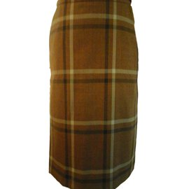 Burberry-Skirt-Brown