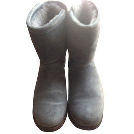 Ugg-Bottines-gris anthracite