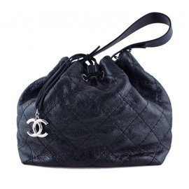 Chanel-On-the-route Drawstring-Noir