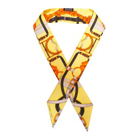 3a8015f4af Foulard Hermès - Joli Closet