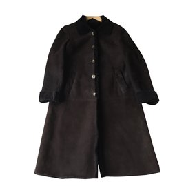 Burberry-shearling coat-Chocolate
