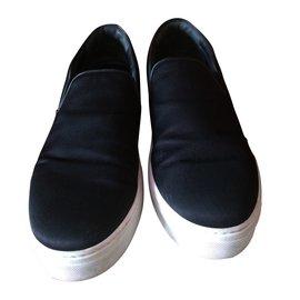 Céline-Slip-On-Noir