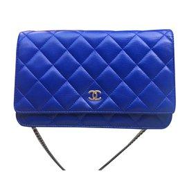 Chanel-Pochette avec Chaine, WOC-Bleu