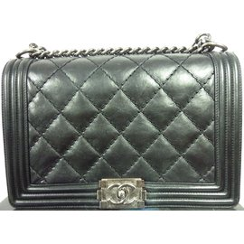 Chanel-Sac Chanel Boy Médium noir en très bon état !-Noir