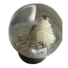 Chanel-Snowglobe-Autre