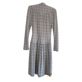 Chanel-Robe-Gris