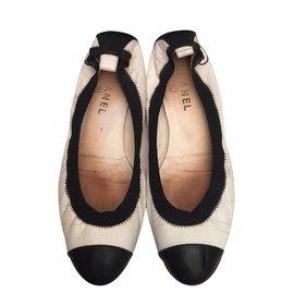 Chanel-Ballerines-Noir,Blanc