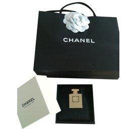 Chanel-pin s parfum-Doré