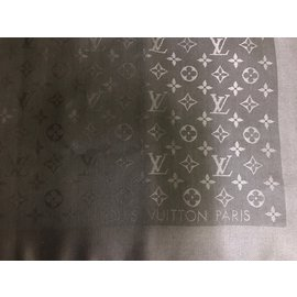 829a1fda3c4e Louis Vuitton-Châle monogram Louis Vuitton-gris anthracite ...