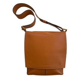 239230f6d9 Second hand Handbags - Joli Closet