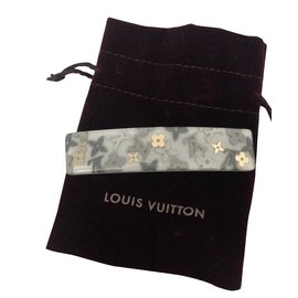 Louis Vuitton-Inclusion-Gris