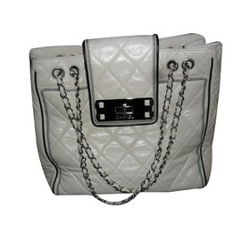 Chanel-SAC GRAND SHOPPING-blanc cassé