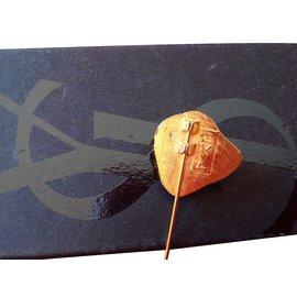 Yves Saint Laurent-Pin & brooch-Golden